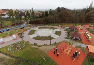 budowa-parku-z-placem-zabaw-w-reszlu-2