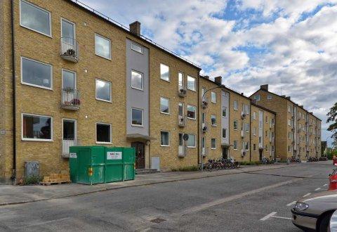 Remont elewacji wraz wymianą stolarki okiennej, bloki mieszkalne, Lund, Szwecja