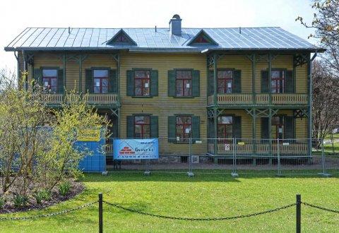 Renowacja  zabytkowych budynków drewnianych, Ronneby, Szwecja