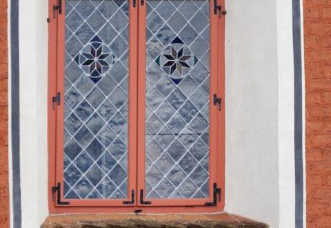 Renowacja okien witrażowych kościoła w Międzylesiu