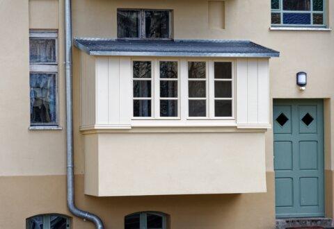 Odtworzenie zabudów balkonów i częściowa wymiana stolarki okiennej w kamienicy przy ul. Jagiellońskiej 27 w Olsztynie
